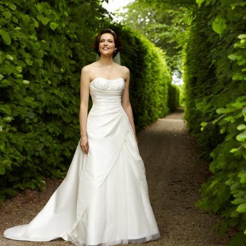 Wedding dress 3169 by Lilly Bridal Denmark