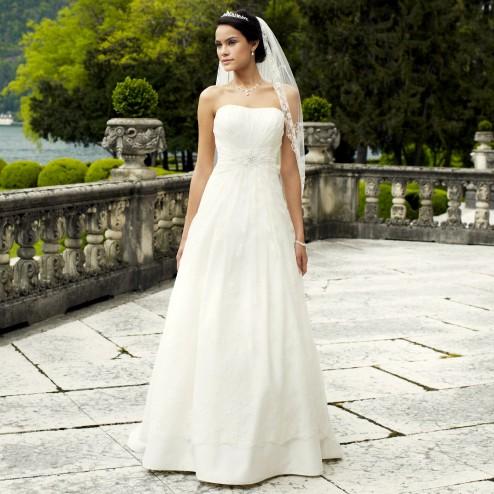 Wedding dress 3218 by Lilly Bridal Denmark