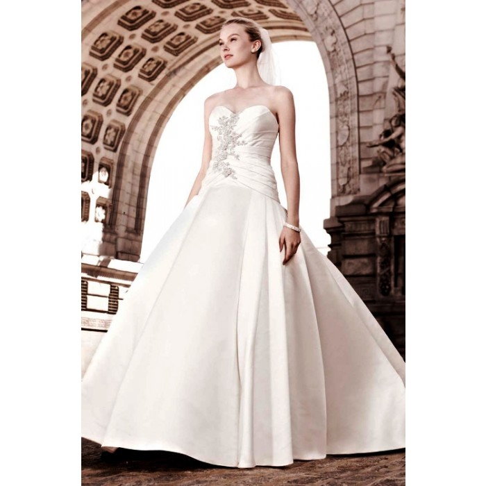 Oleg Cassini Satin Wedding Dress - Victoria\'s Bridal.eu