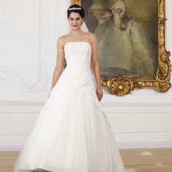 Wedding dress 3265 by Lilly Bridal Denmark