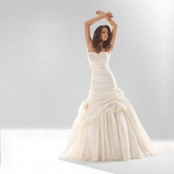 Glasgow Wedding Dress by Marietta Mariage