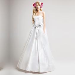 Loys Wedding Dress by Le Rina Fashion Studio