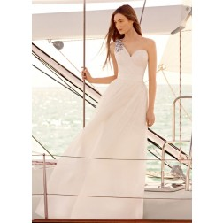 WHITE Vera Wang One Shoulder Wedding Dress