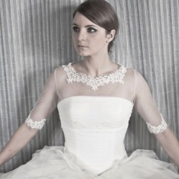 Очаровательное свадебное болеро от NOVIAS