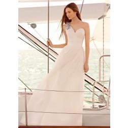 WHITE Vera Wang One Shoulder Wedding Dress